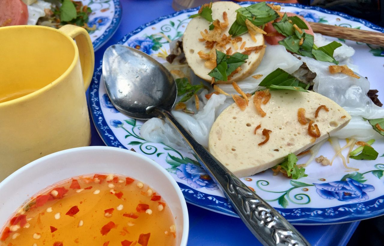 Bánh Cuốn - Rice Noodle Rolls with Pork, Mushrooms and Shallots - Delicious Vietnam
