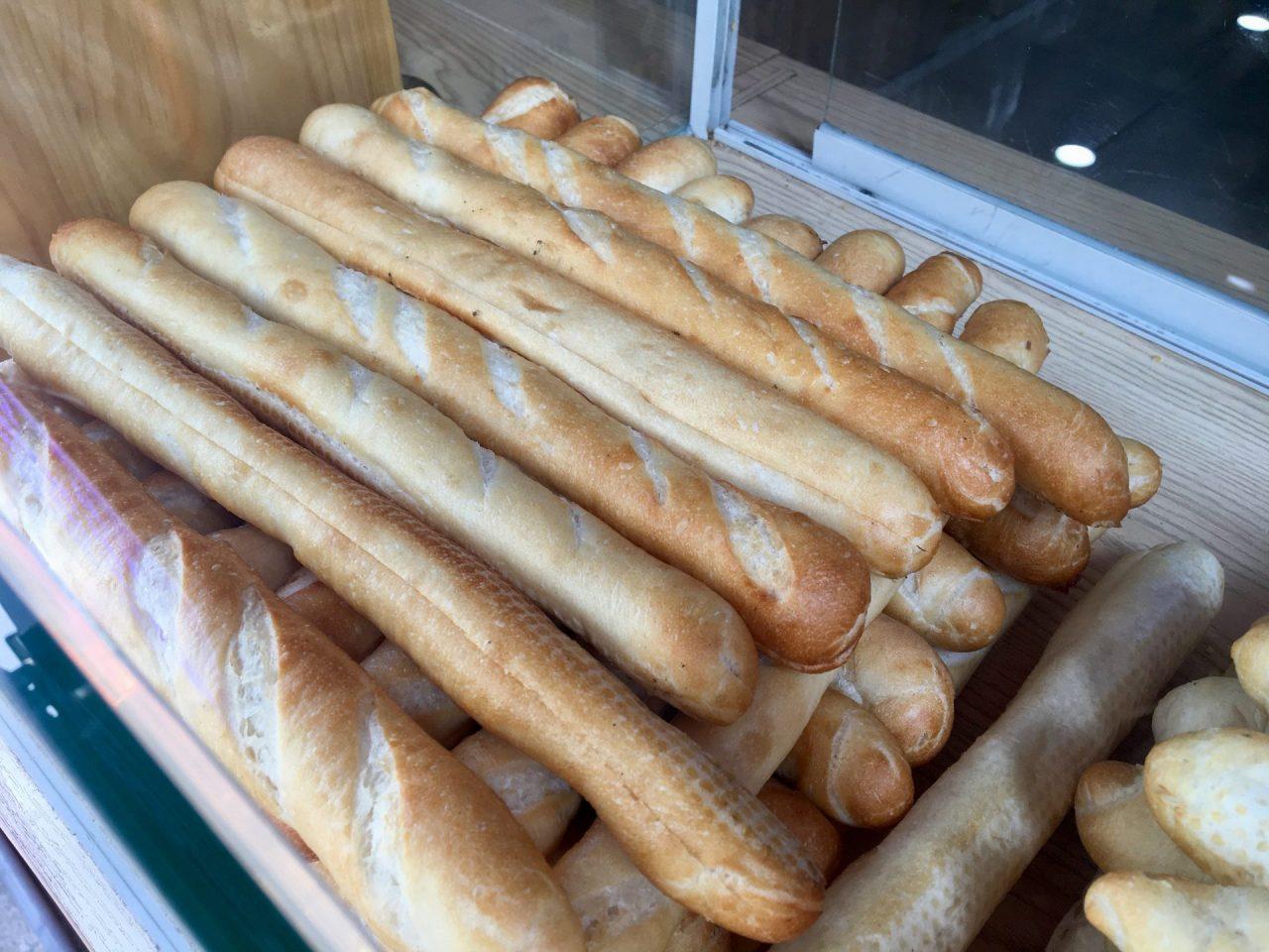 Bánh Mì Que - Vietnamese Breadstick Baguette