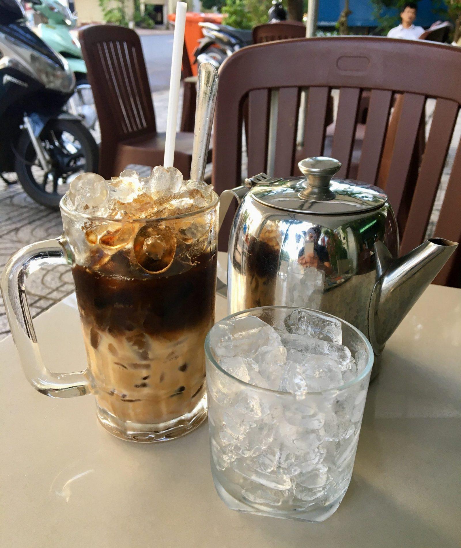 Cà Phê Sữa Đá - Vietnamese Iced Coffee