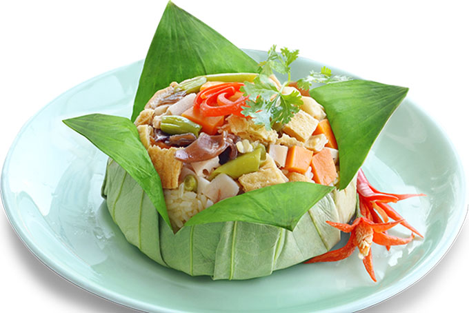 Cơm Lá Sen - Steamed Rice Meal Wrapped in a Lotus Leaf