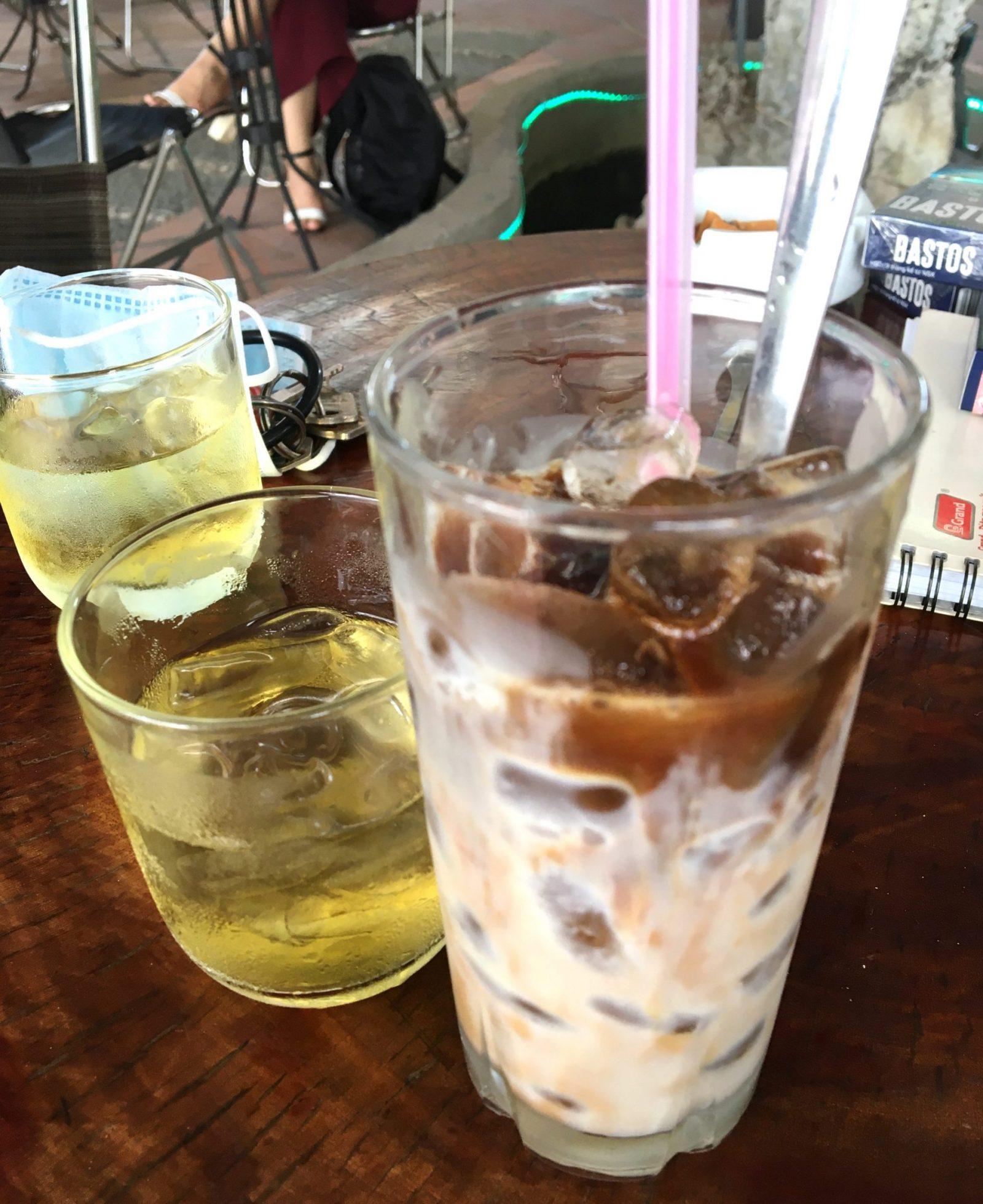 Cà phê sữa đá - Vietnamese Iced Coffee with Tea